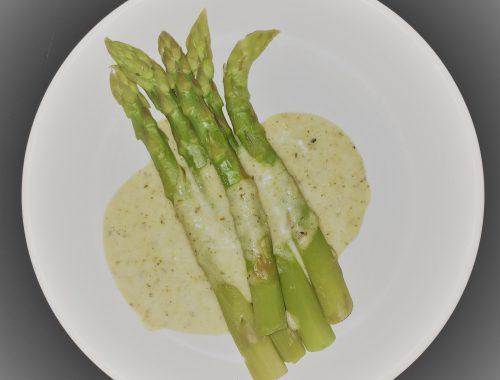 Asparagi con salsa Béarnaise