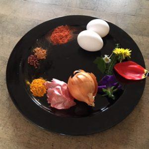 ingredienti per uova di pasqua colorate