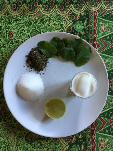 ingredienti per bevanda yogurt e menta