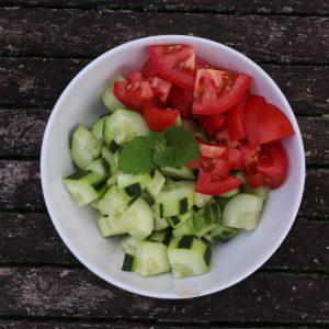 Tomaten und Gurken für Taboulé