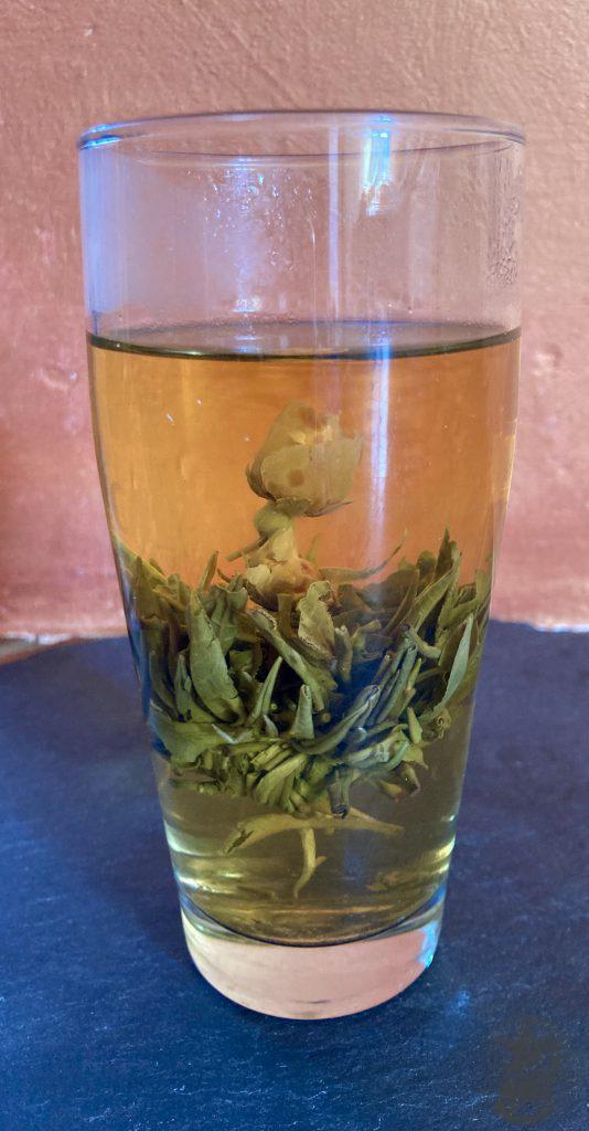 Tè con fiore